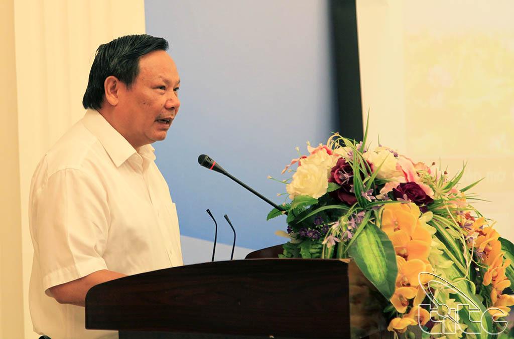 Tổng cục trưởng TCDL Nguyễn Văn Tuấn phát biểu tại Hội thảo xây dựng, phát triển sản phẩm du lịch Hưng Yên