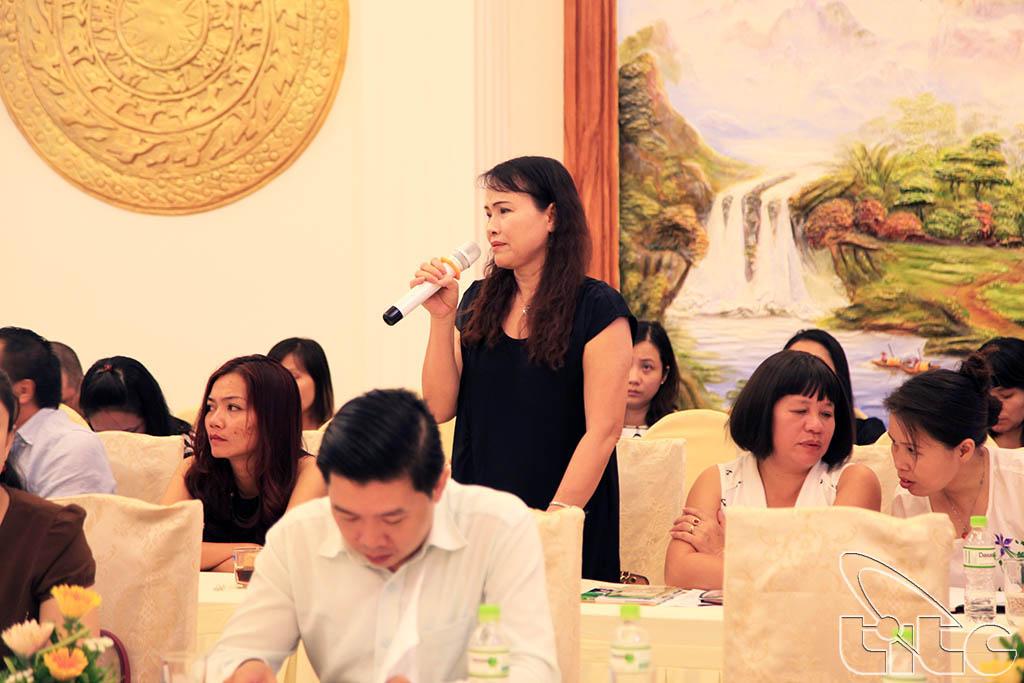 Các đại biểu thảo luận tại Hội thảo xây dựng, phát triển sản phẩm du lịch Hưng Yên