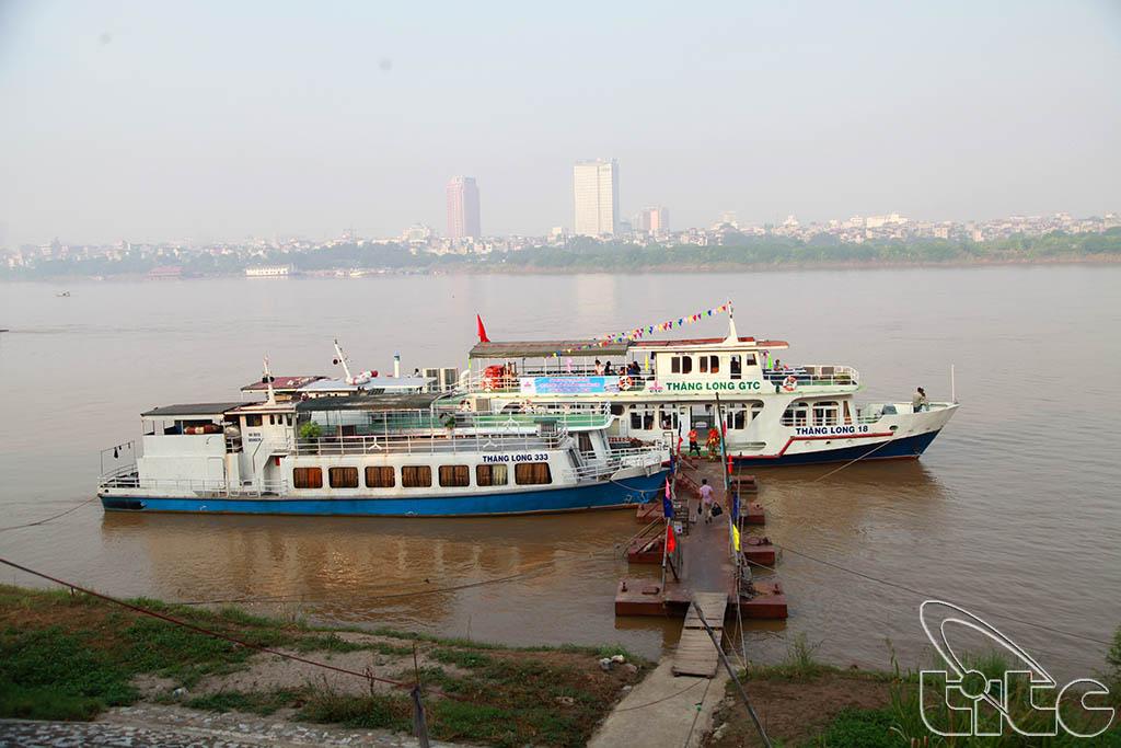 Tàu du lịch sông Hồng Thăng Long GTC