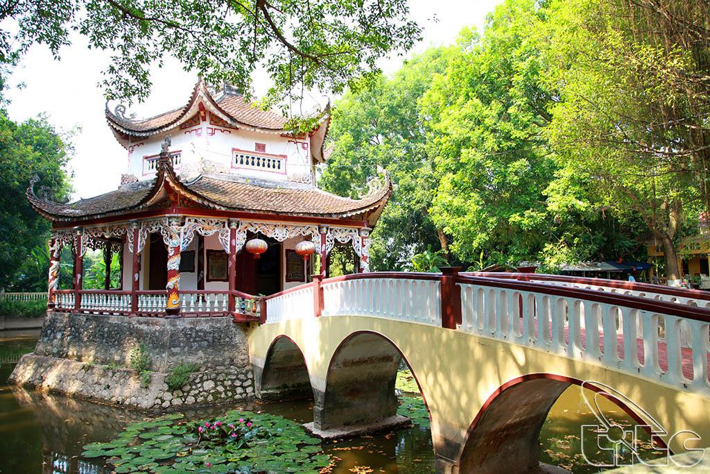 Một góc đền Dầm