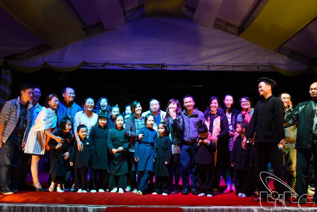 Đoàn giao lưu với các nghệ sỹ tại Khu du lịch sinh thái Thái Hải (Thái Nguyên)