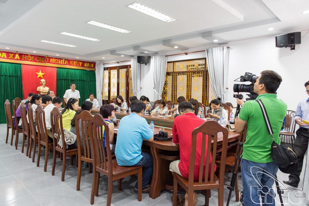 Đoàn khảo sát gặp gỡ lãnh đạo Sở Văn hóa, Thể thao và Du lịch An Giang