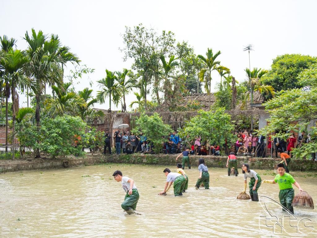 Đoàn khảo sát trải nghiệm hoạt động du lịch cộng đồng tại làng quê Yên Đức