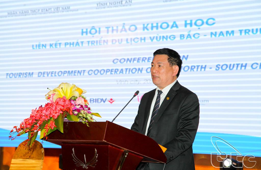 Ông Hồ Đức Phớc - Ủy viên BCH Trung ương Đảng, Bí thư Tỉnh ủy, Chủ tịch HĐND tỉnh Nghệ An phát biểu tại Hội thảo