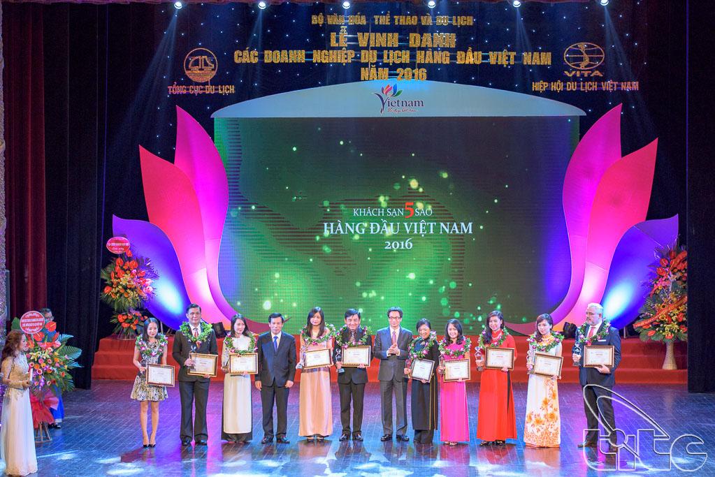 Trao giải cho 10 Khách sạn 5 sao hàng đầu Việt Nam