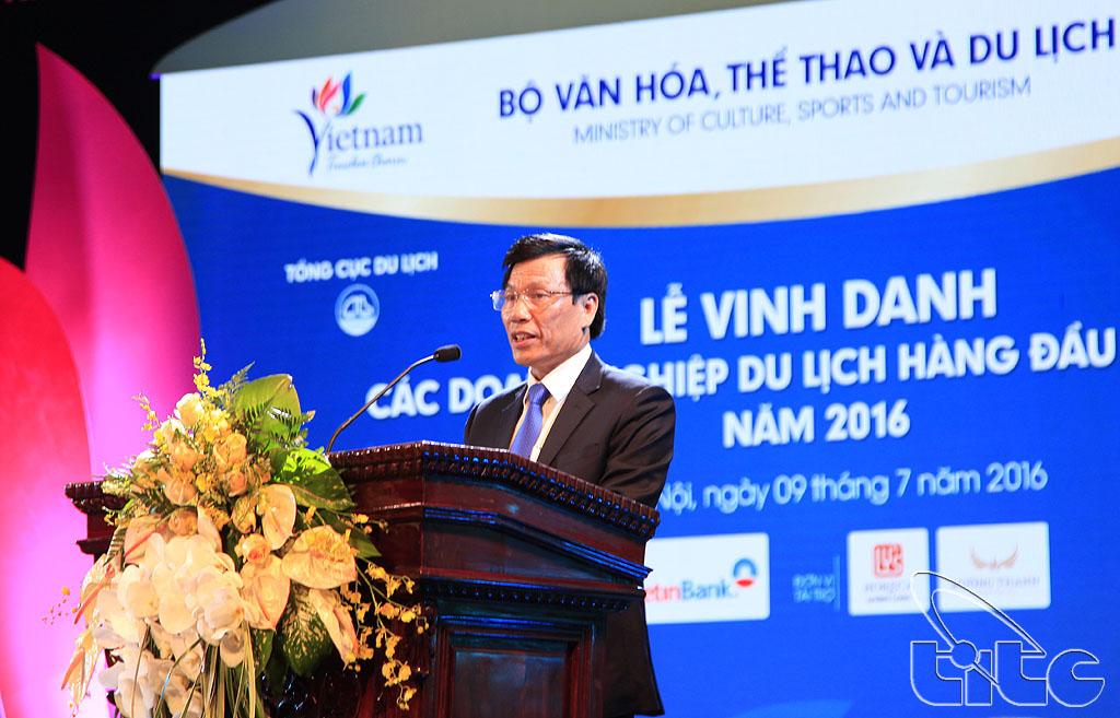 Đồng chí Nguyễn Ngọc Thiện - Ủy viên BCH Trung ương Đảng, Bộ trưởng Bộ VHTTDL, Chủ tịch Hội đồng xét duyệt Giải thưởng Du lịch Việt Nam năm 2016 phát biểu tại buổi Lễ