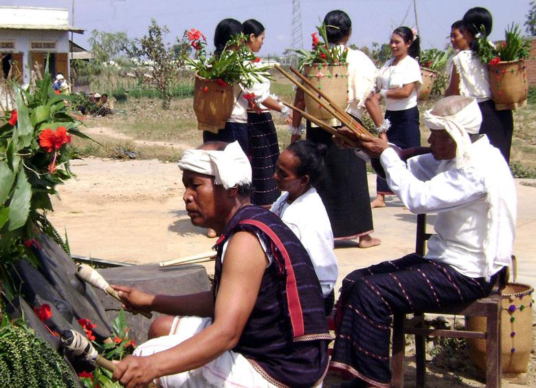 Phát triển loại hình du lịch văn hóa bản địa Tây Nguyên: Tôn trọng sự khác biệt về sắc thái văn hóa