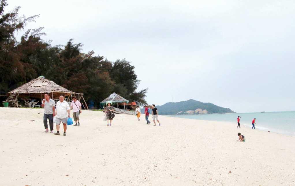 Quảng Ninh: Tạo sức hút cho du lịch biển đảo